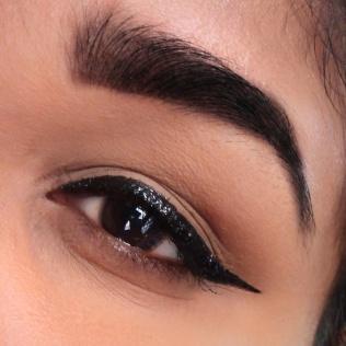Maybelline Hyper Glitz Ink Eyeliner 5