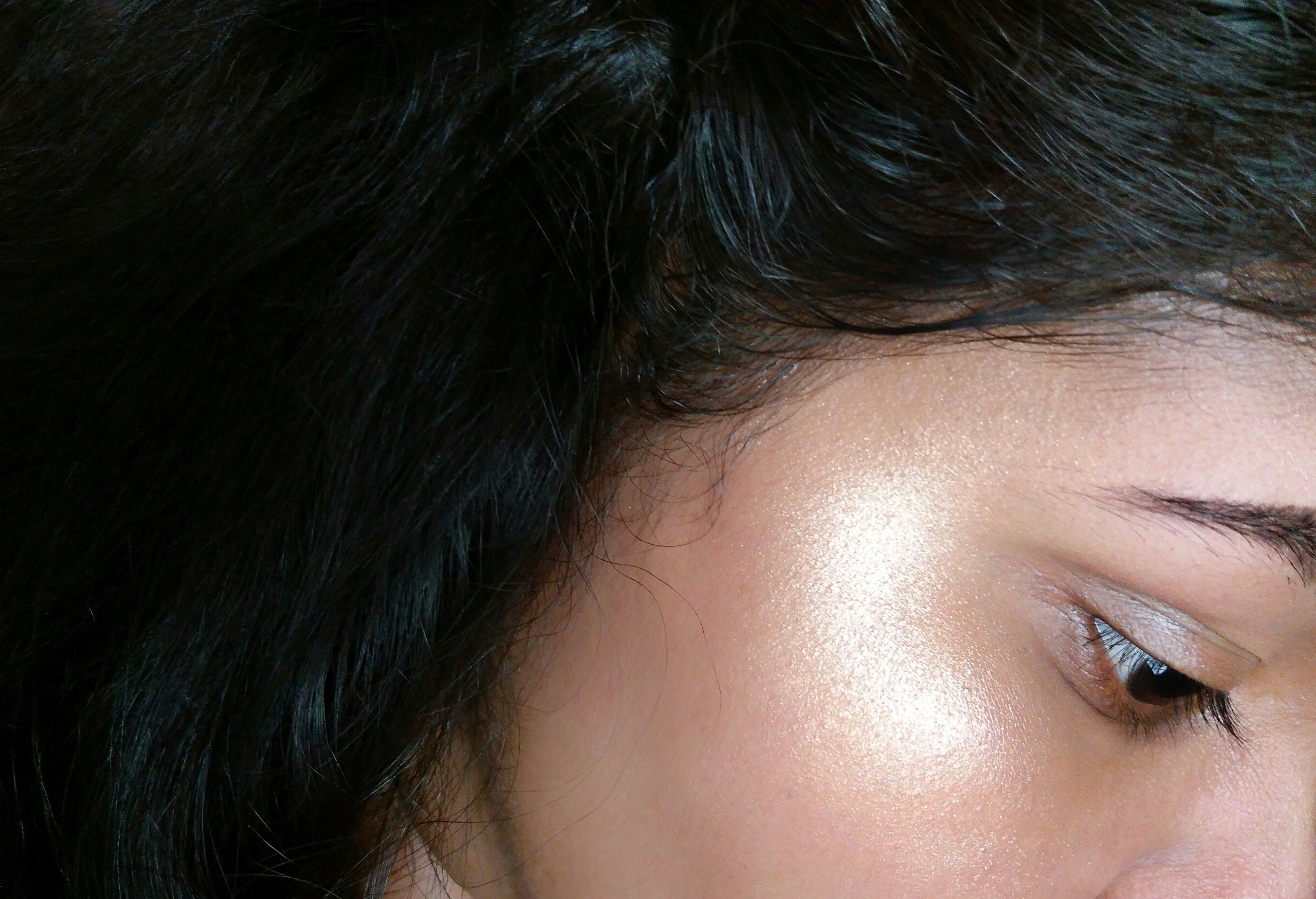Maybelline Master Chrome Metallic Highlighter.jpeg