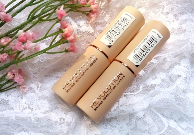 Makeup Revolution Fast Base Stick Foundation 1.jpg