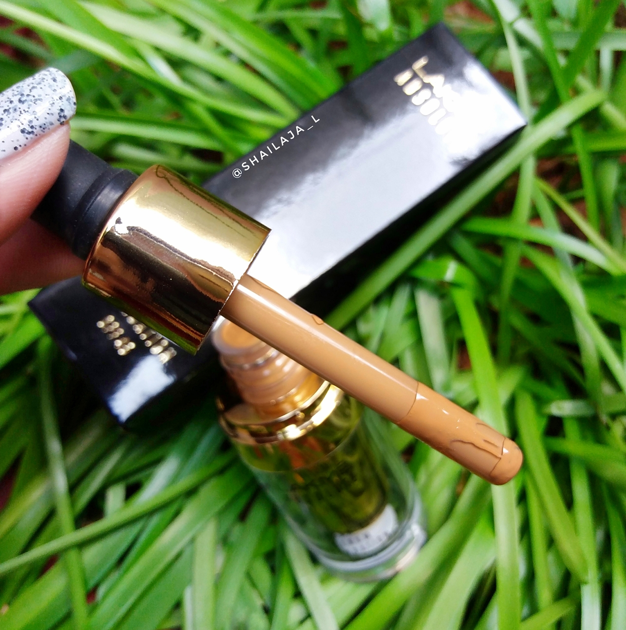 LAKME ABSOLUTE ARGAN OIL SERUM FOUNDATION REVIEW 4