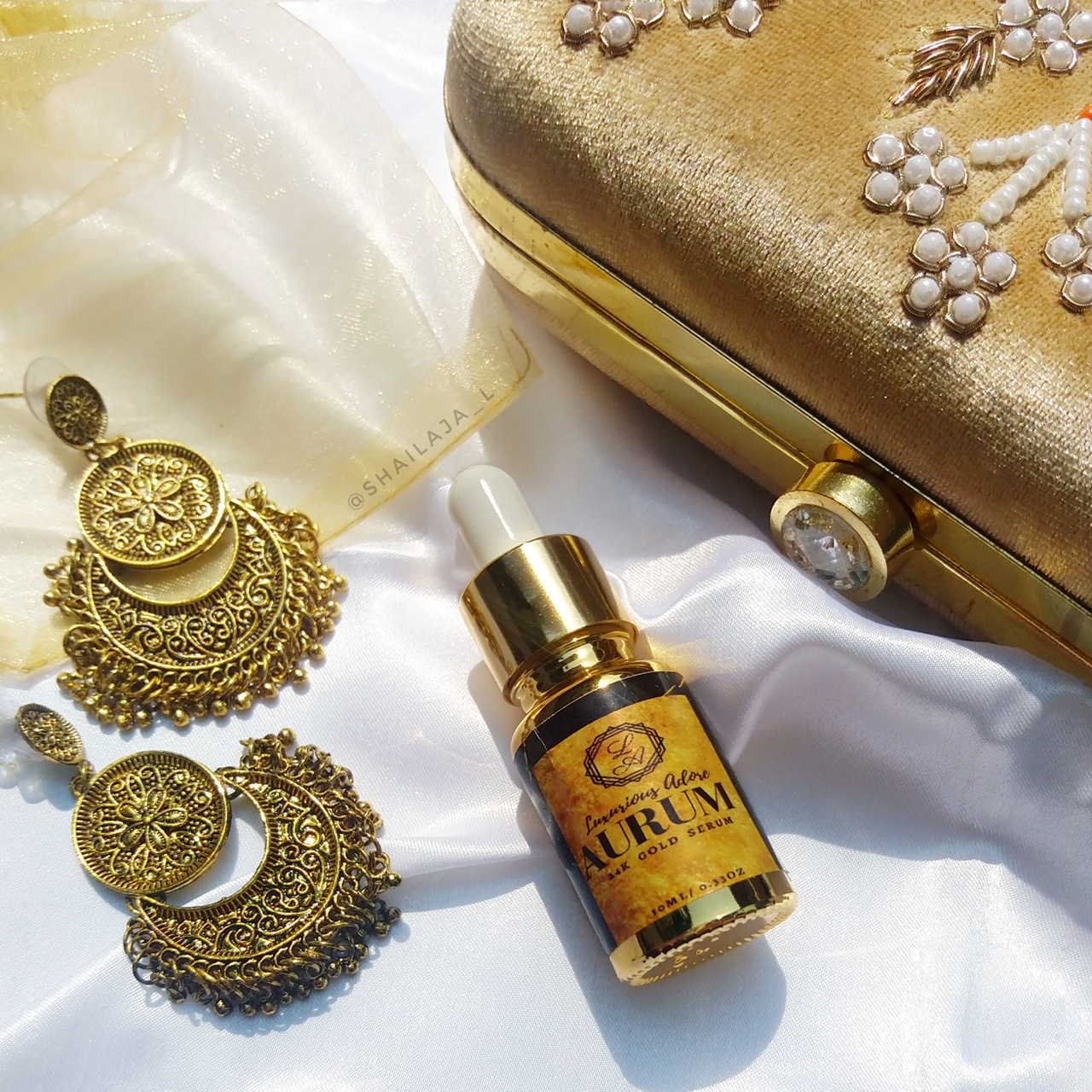 LUXURIOUS_ADORE AURUM 24K GOLD SERUM.jpg